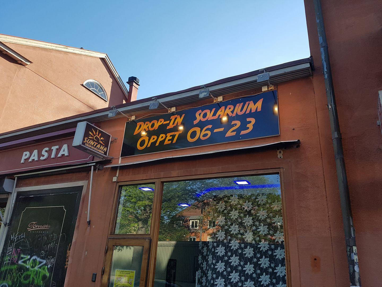 Suntana Drop-In Solarium i Enskede - totalrenoverad, nytt rum, nya solarium & rör!